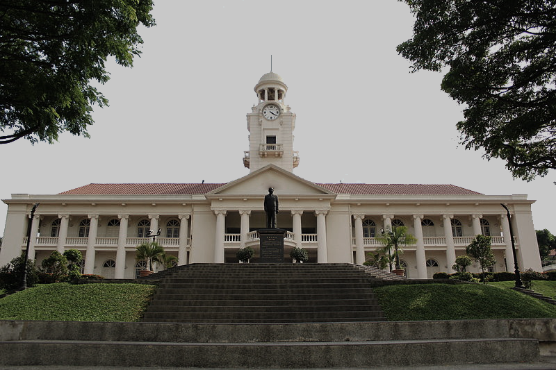 Hwa_Chong_Institution_Clock_Tower_Front_View.png